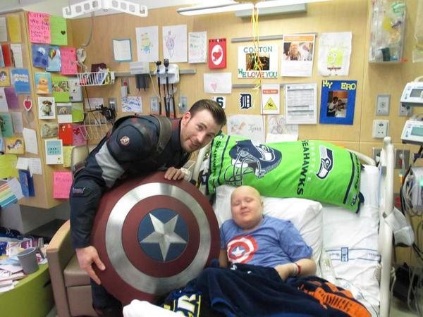 Chris Pratt and Chris Evans visit Seattle Children's Hospital