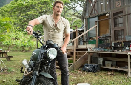 Chris Pratt signs on for Jurassic World Sequel