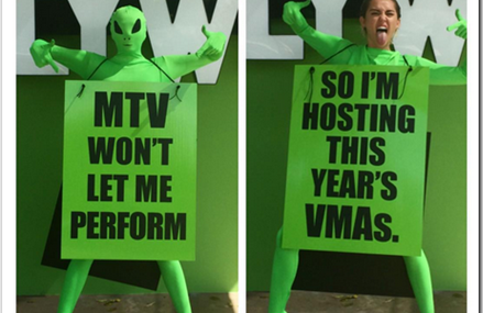 Miley Cyrus Hosting 2015 VMAs! It's Going To Be Amazing!
