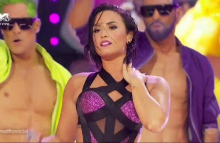 See Which Mortal Kombat Character Demi Lovato Resembled At The 2015 VMAs!