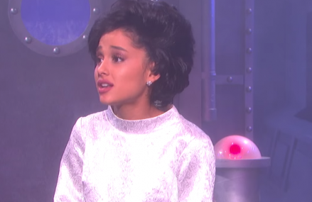 Ariana Grande on SNL. Watch her hilarious skit!