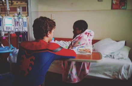 Spider-Man: Homecoming: Actor Tom Holland visits children's hospital!