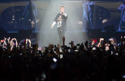 Justin Bieber's year of success and Purpose World Tour Pictures!