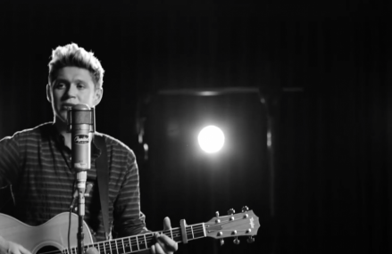 """Niall Horan has dropped his first solo single """"This Town."""" Check it out!"""