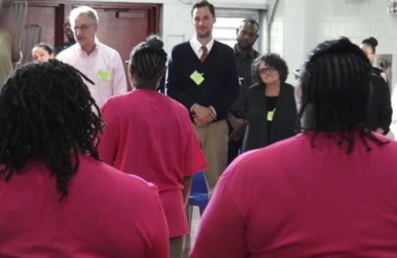 US Prison Inmates Find 'Humanity' Through Acting!