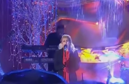 Tori Kelly sings heart warming rendition of 'O Holy Night.'