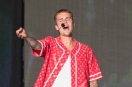 Justin Bieber performs at British Summertime show sick and does an amazing job!